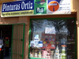 Pinturas Ortiz (Jesus) Avda Andalucia 20 Tel: 956 68 01 08