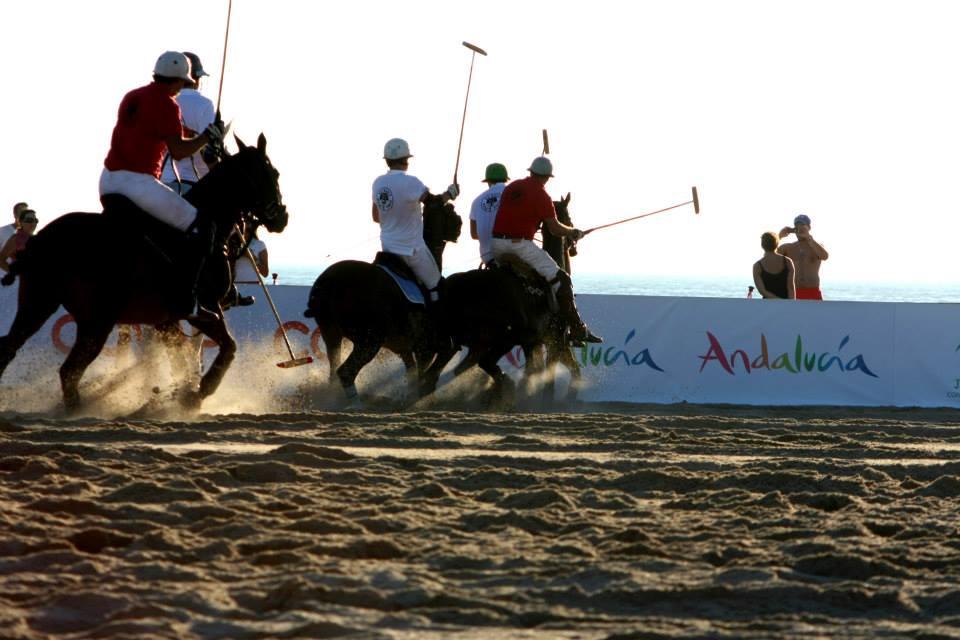 Sunset Beach Polo en las playas de El Palmar