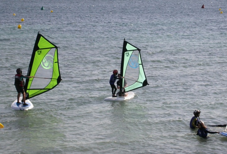 Escuela de Windsurf en Camping Torre dela Peña