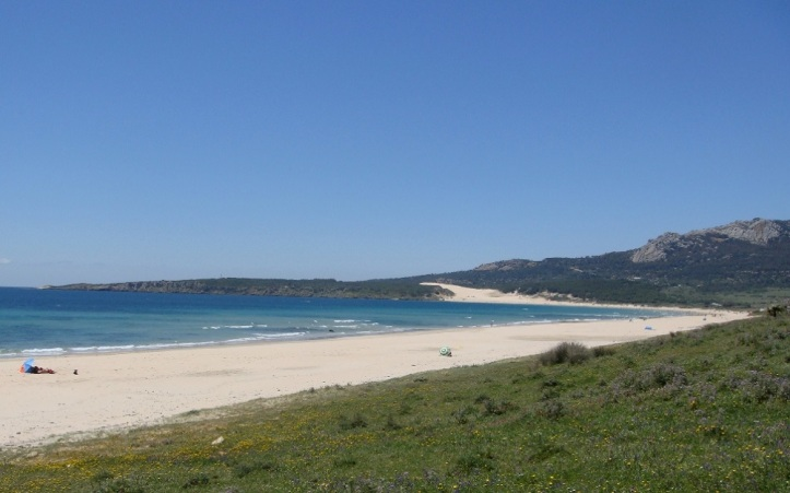 Playa de Valdevaqueros a 100 metros del Hotel La Torre