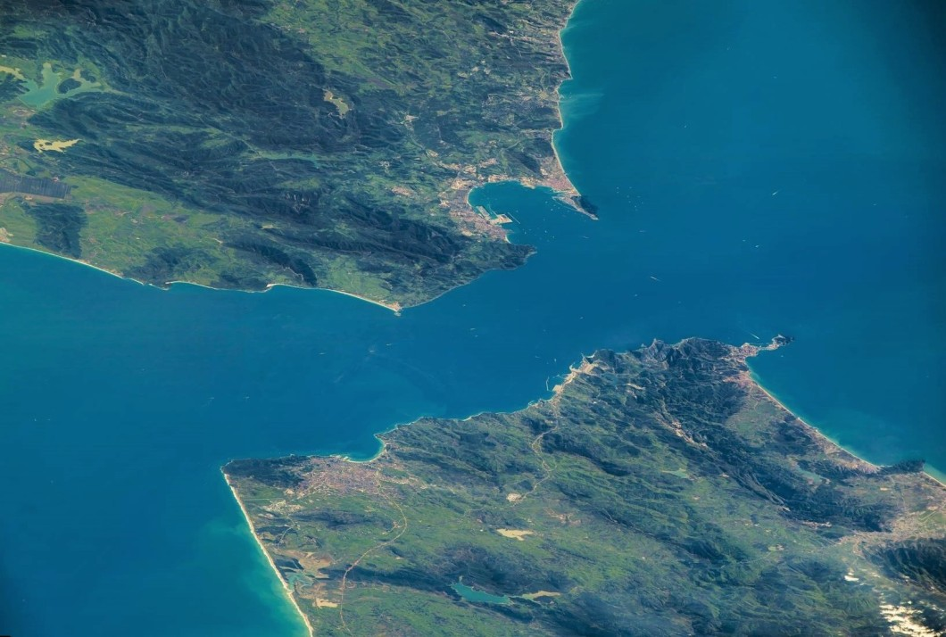 El Estrecho de Gibraltar. Foto 3 de mayo 2016 NASA Astronauta Jeff William