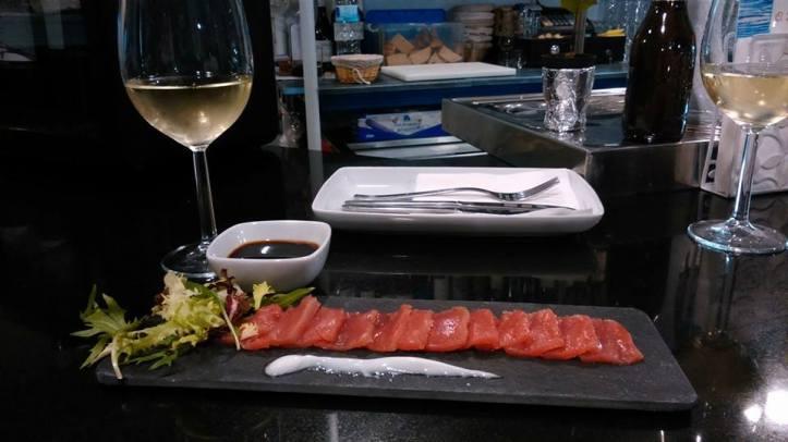 Tapas y Vinos en El Burgato