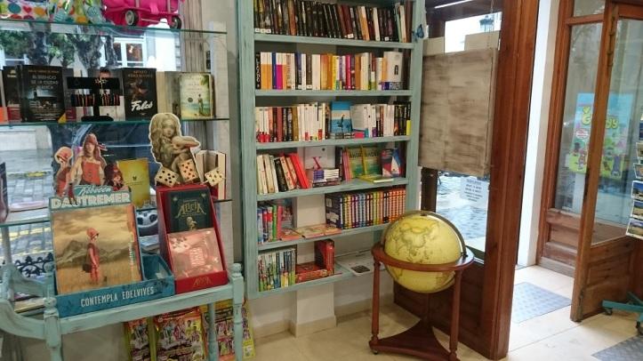 Libros y recuerdos de Tarifa