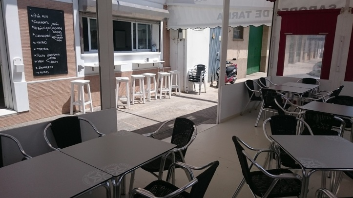 Terraza y Bar