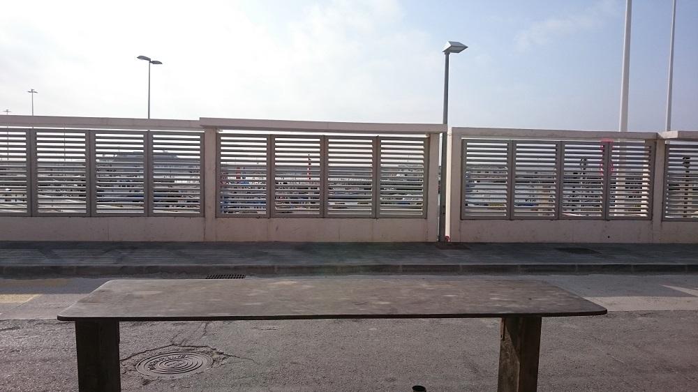 Bar con vistas al puerto de Tarifa