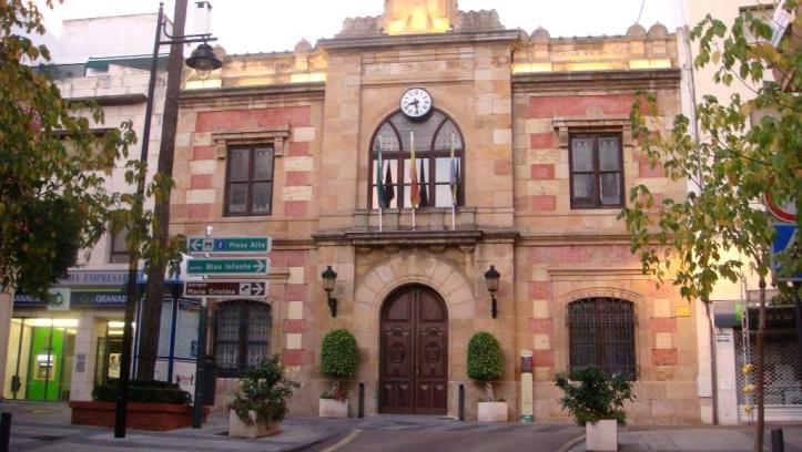 Justo al lado de la Plaza Alta se encuentra La Casa Consistorial de Algeciras, el Ayuntamiento.