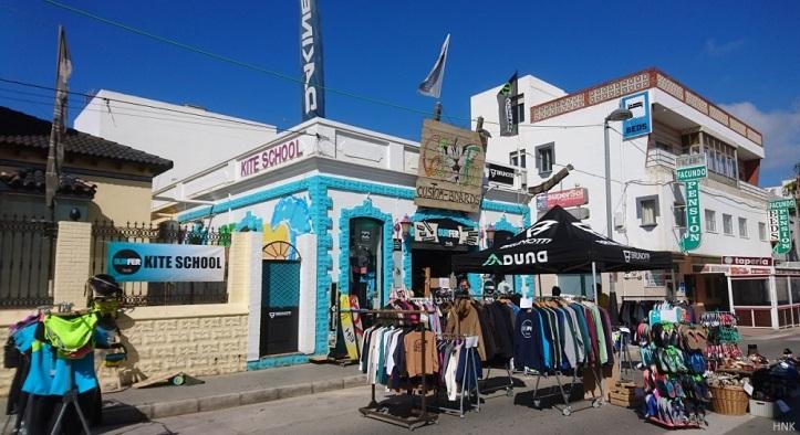 Surfer Tarifa en Calle Batalla del Salado