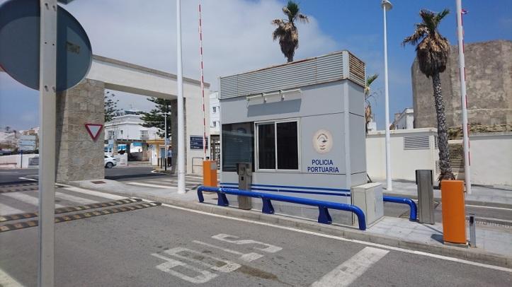 Entrada principal del puerto de Tarifa
