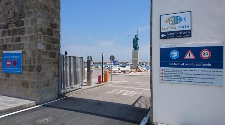 Entrada puerto pesquero de Tarifa