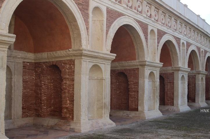 Galeria en el Jardin Palacio de la Ribera. Foto HNK